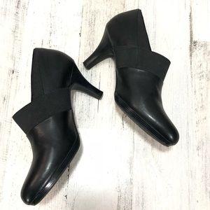 Clark's Artisan Shoe Booties